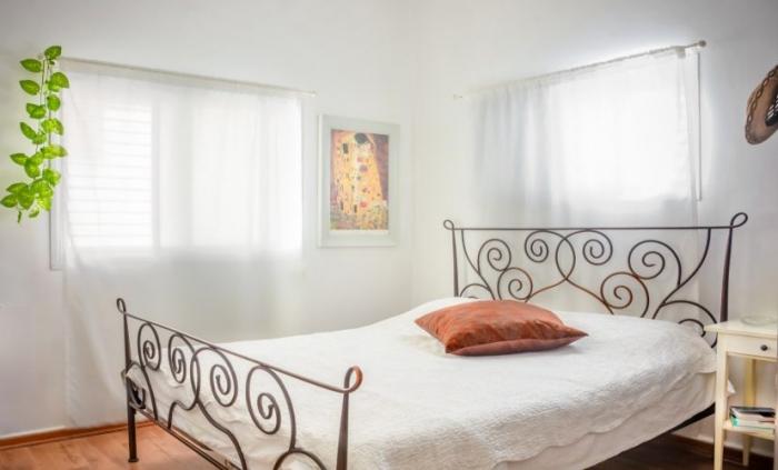 חדרים לפי שעה שעות בתל אביב, בואו לבלות מספר שעות במקום דיסקרטי, פרטיות מלאה והרבה רומנטיקה באוויר. אפשרות להשכרה לפי שעות, לילות, סופ